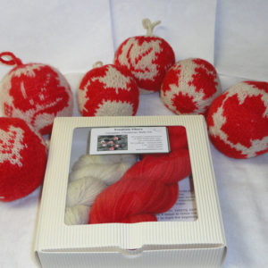 Canadian Christmas Balls - Kit