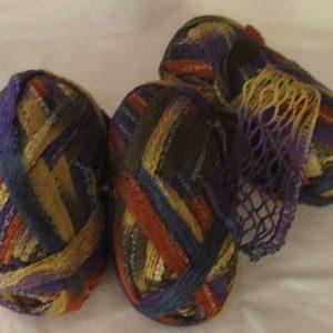 Frill/Ruffle Scarf Yarn – No Label – purple/rust | Freshisle Fibers